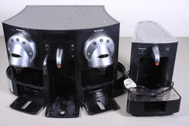 nespresso gemini cs 220 pro nespresso cappuccinatore cs 20 allbids auctions 558574 allbids. Black Bedroom Furniture Sets. Home Design Ideas