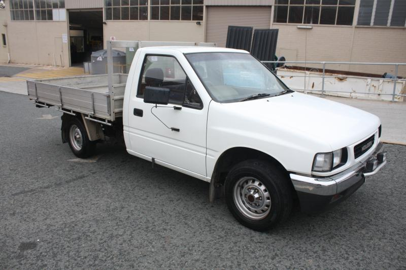 04/1990 Holden Rodeo Dual Cab Utility White 2 6L