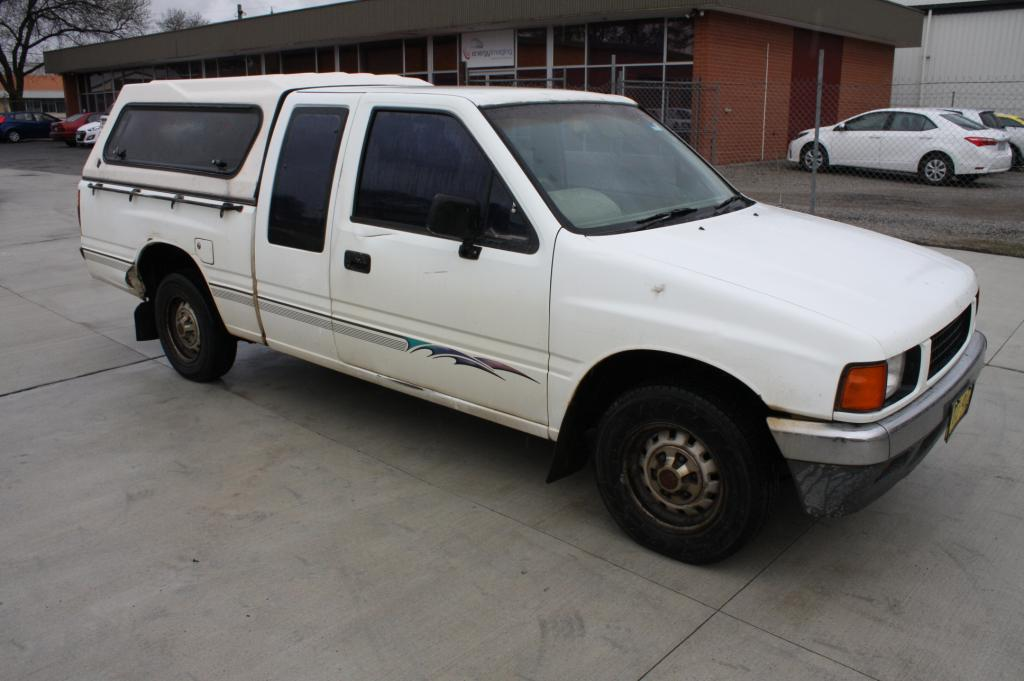 10/1990 Holden Rodeo LS TF Space Cab P/up White 2 6L